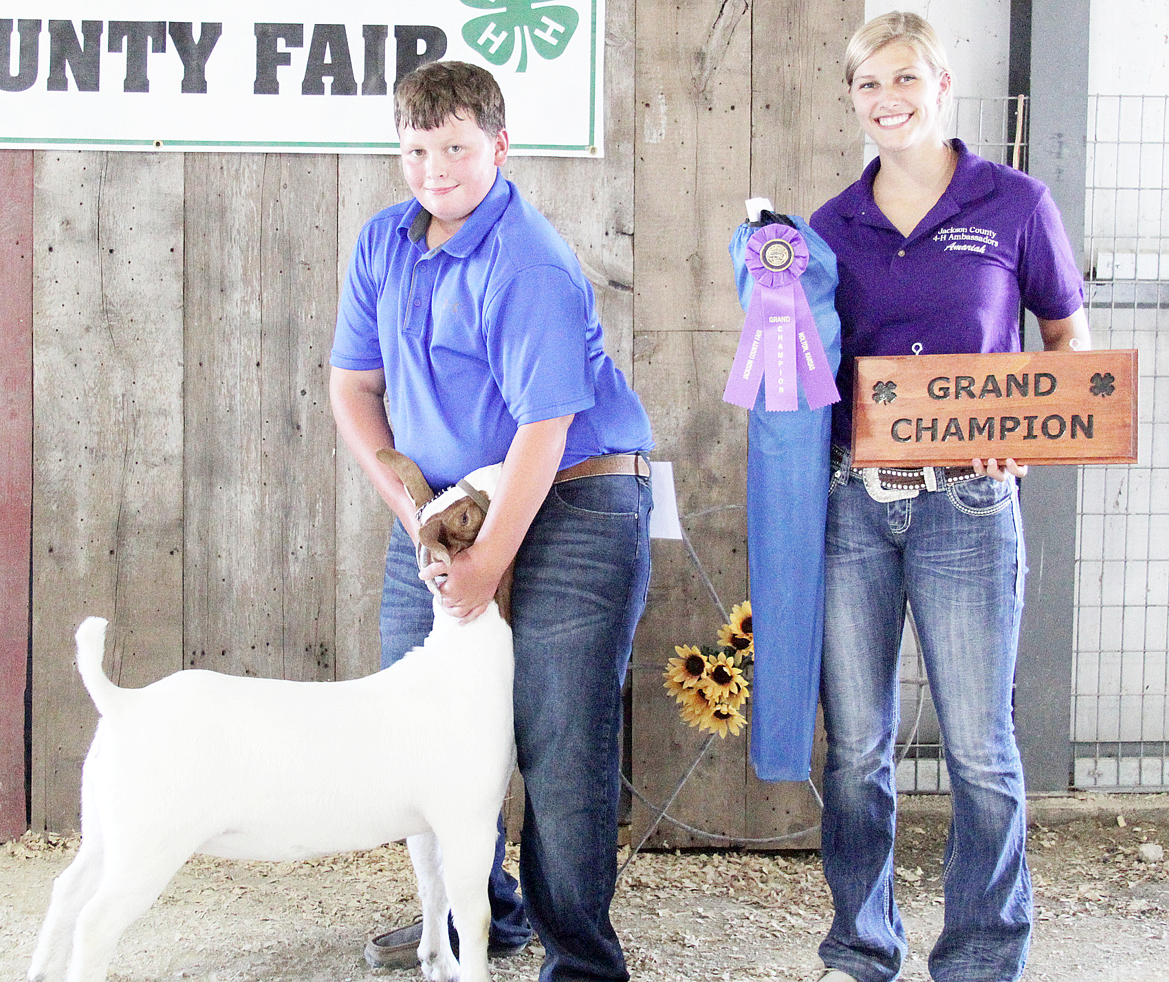 Ean Winsor of the Lucky Stars 4-H Club showed the Grand Champion overall doe at the 2020 Jackson County Fair.