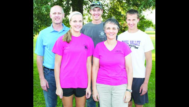 The Steve and Cindy Broxterman family of Hoyt are involved with the Hoyt Livewires 4-H club. From left: Steve, Mary, Patrick, Cindy and Lucas Broxterman (eldest son Thomas is currently attending Fort Hays State University). (Photo by Brian Sanders)