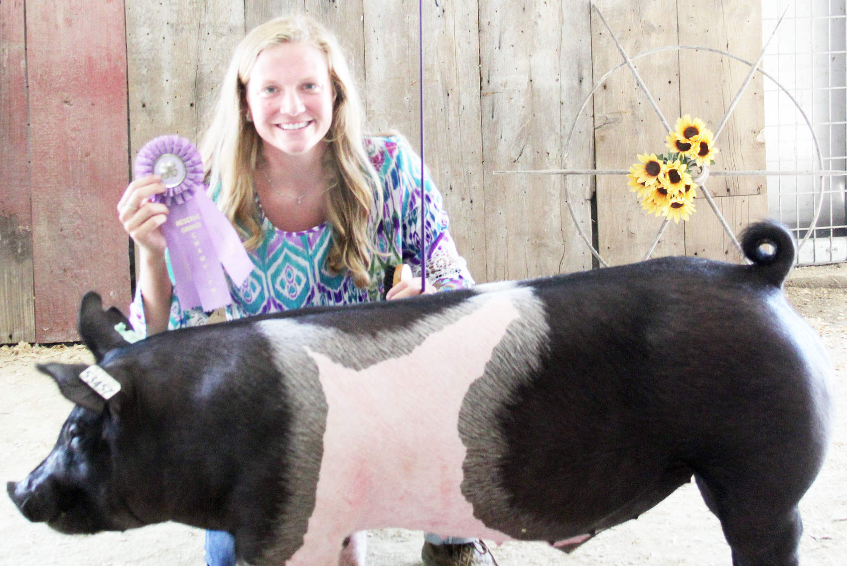 Cailin Parks of the Straight Arrows 4-H Club was named Reserve Champion senior hog showman at the 2020 Jackson County Fair.
