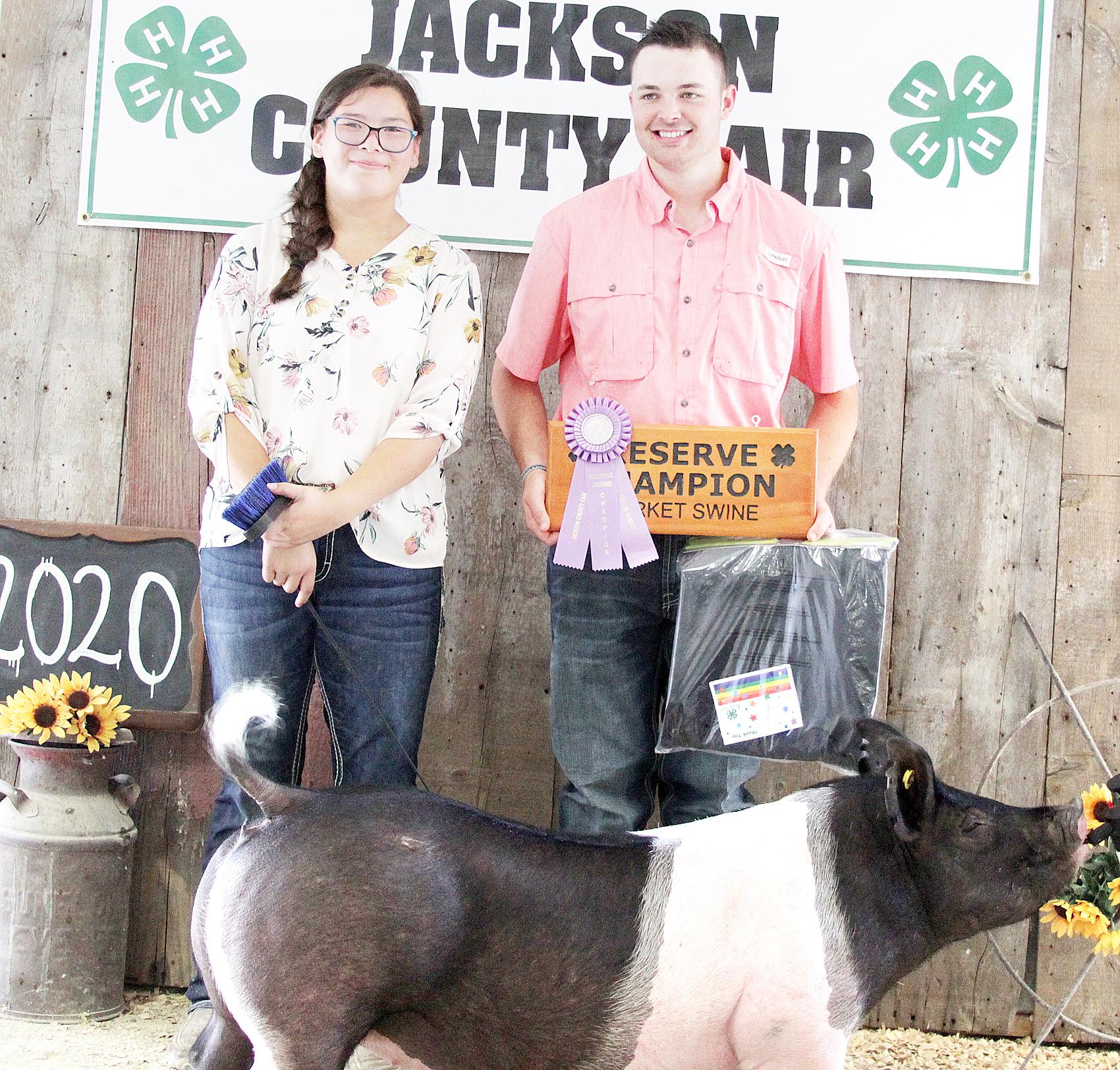 Kailei Mitchell of the Mayetta Mustangs 4-H Club showed the Reserve Grand Champion overall market hog at the 2020 Jackson County Fair.