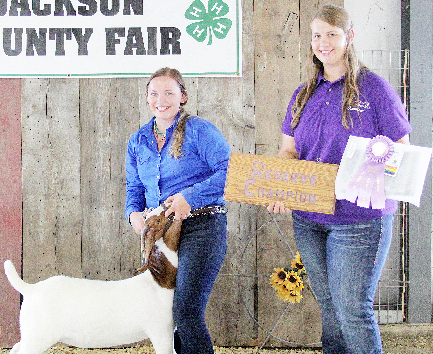 Jerilyn Nelson of the Pleasant Valley Rustlers 4-H Club showed the Reserve Grand Champion overall doe at the 2020 Jackson County Fair.
